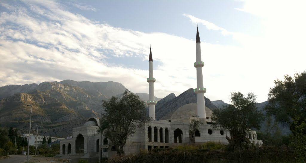 Мечеть в Черногории