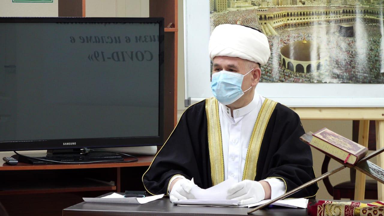 Муфтий Валиахмад Гаязов на юбилейном съезде