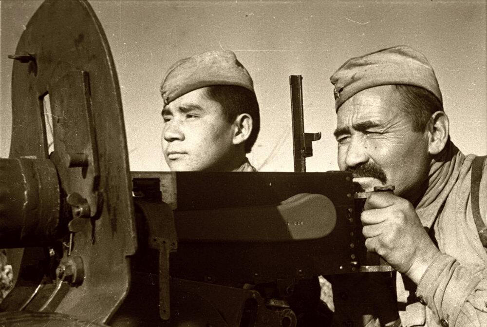 Бойцы из Узбекистана на полях Великой Отечественной войны