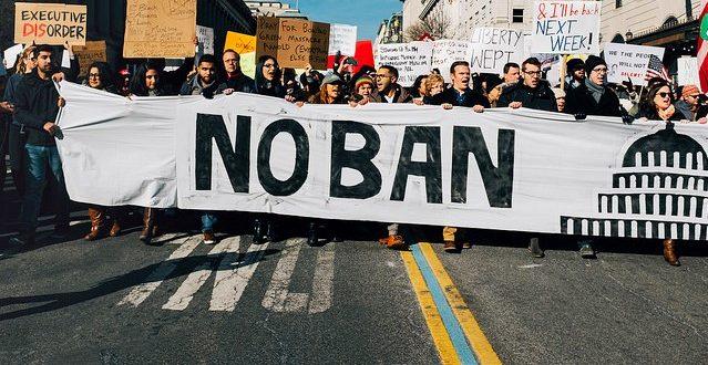 Кадр митинга против запрета