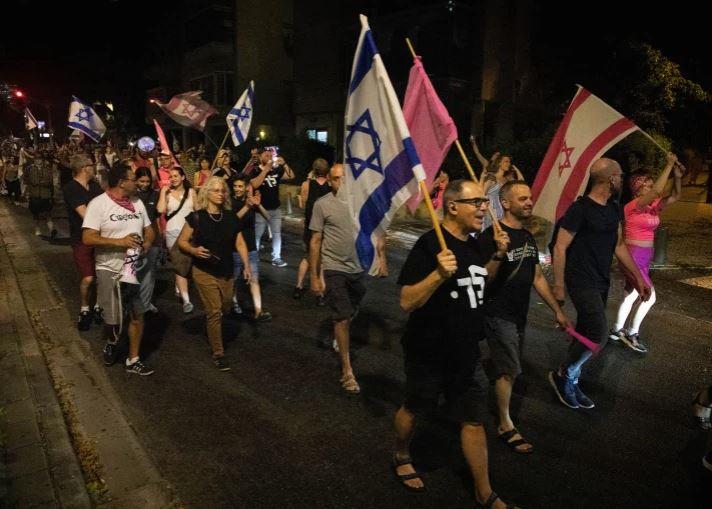 Израильтяне требовали привлеч Нетаньяху к суду