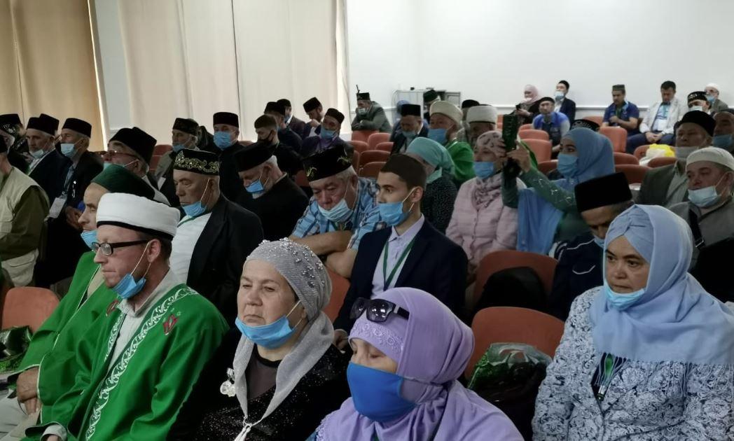 На секции «Опыт религиозных и национальных организаций по сохранению и развитию татарского языка»