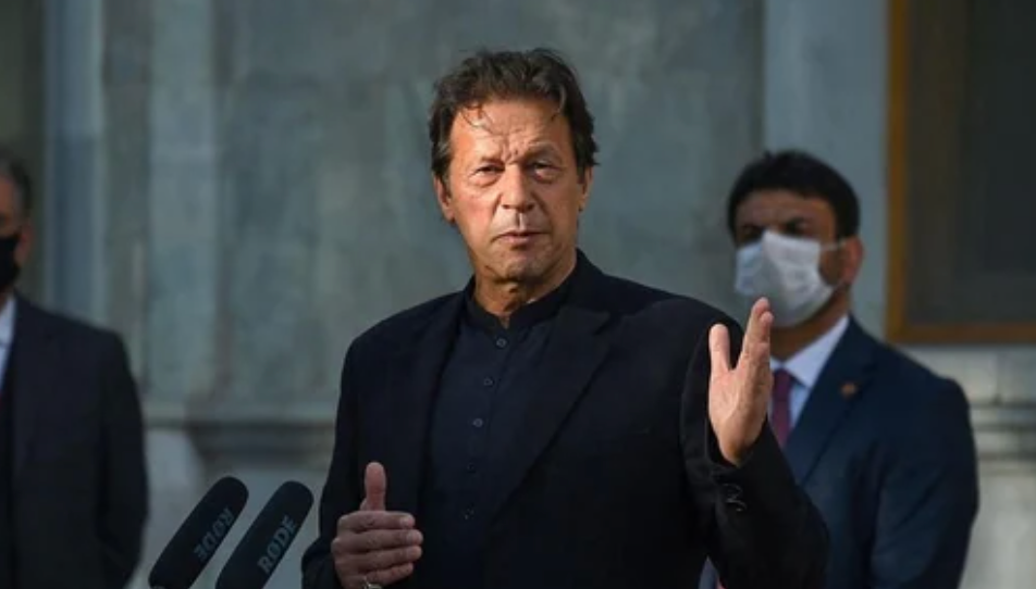 Имран Хан (фото AFP)