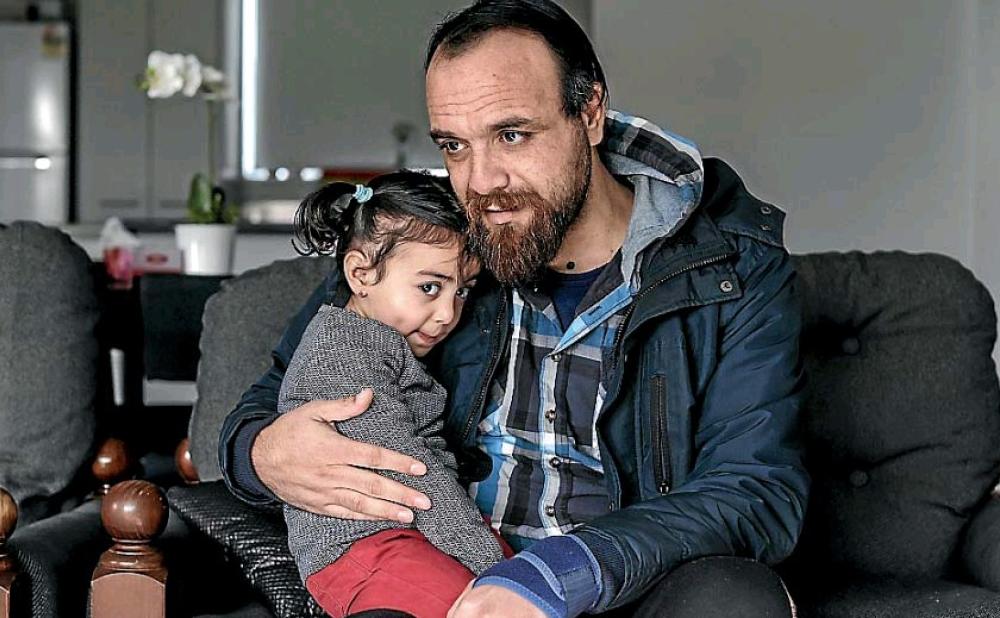 Хишам со своей дочерью