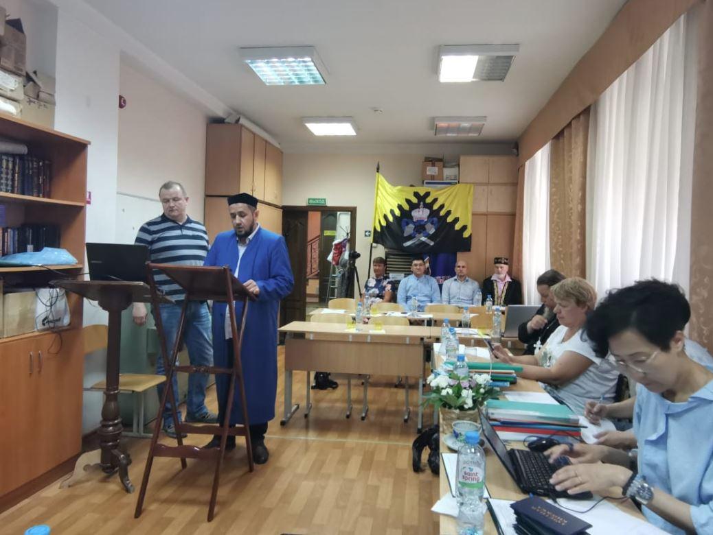 В Екатеринбурге прошла защита дипломных работ нового межконфессионального выпуска теологов