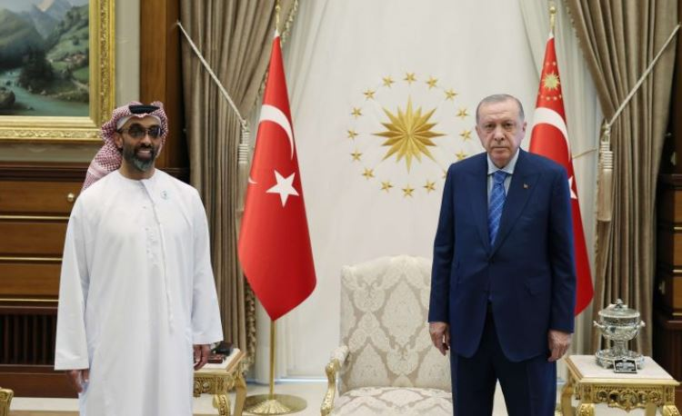 Реджеп Тайип Эрдоган с Тахнуном бин Заидом Аль Нахайяном