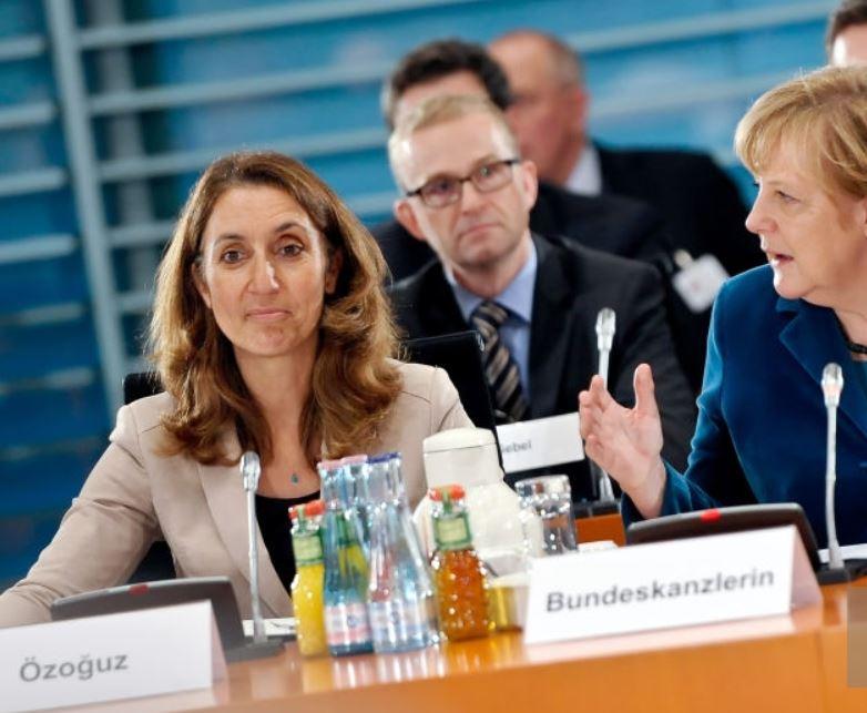 Впервые турчанка стала вице-спикером Бундестага